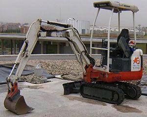 AG Construcciones - Maquinaria ligera - TAKEUCHI TB016