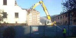 Demolición del antiguo acuartelamiento de la Guardia Civil en Mieres