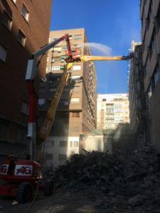 Demolición de edificio de fibrocemento en Madrid - AG Construcciones
