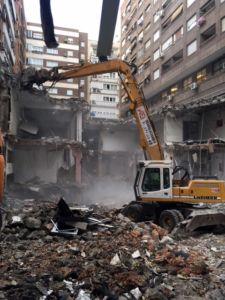 Demolición de edificio con fibrocemento en Madrid