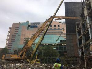 Demolición de edificio de oficinas en Madrid de 35 metros de altura